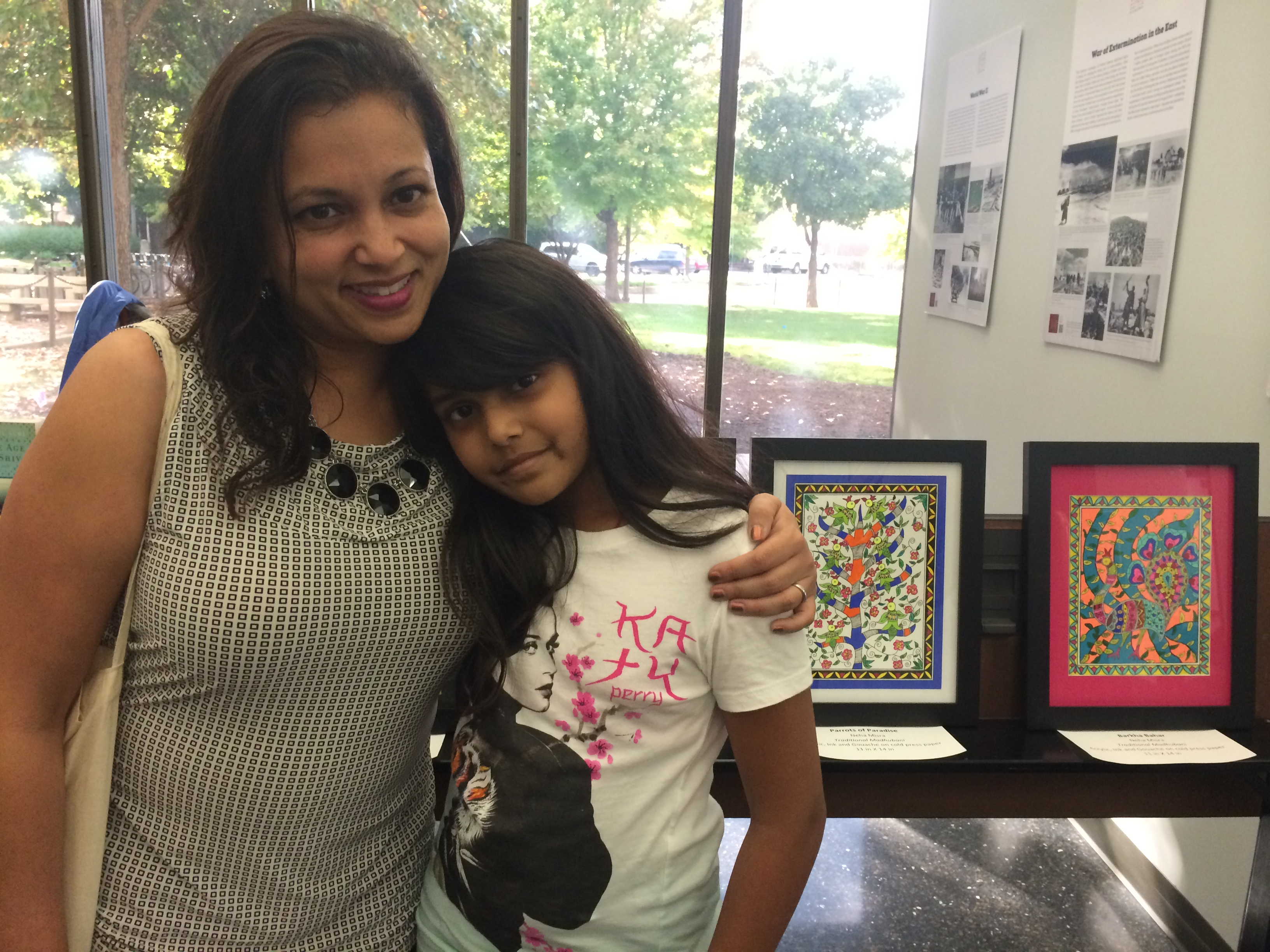 Jaya Hariprasad and her daughter enjoying the festival
